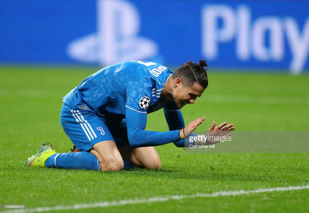 Olympique Lyon v Juventus - UEFA Champions League Round of 16: First Leg : News Photo