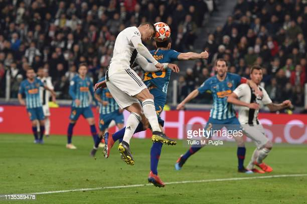 Cristiano Ronaldo of Juventus scores the opening goal during the UEFA Champions League Round of 16 Second Leg match between Juventus and Club de...