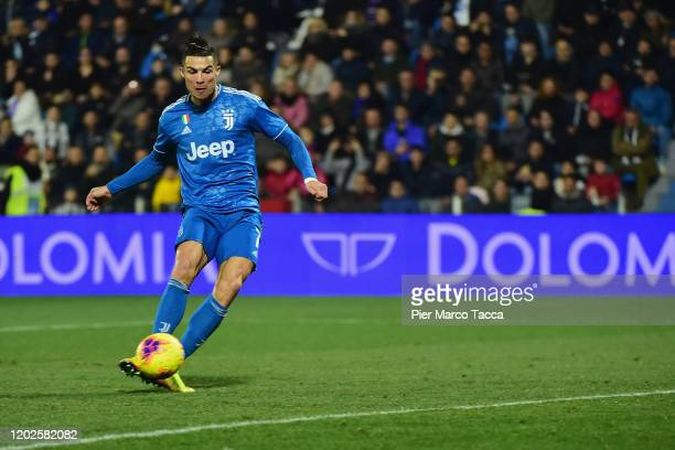 Cristiano Ronaldo of Juventus shoots to score the first goal of his team during the Serie A match between SPAL and Juventus at Stadio Paolo Mazza on...