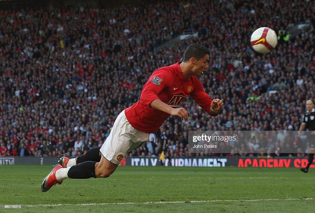 Manchester United v Tottenham Hotspur : News Photo