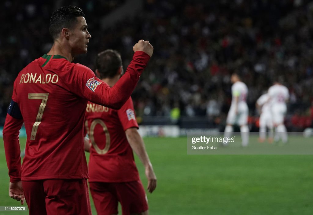 Portugal v Switzerland - UEFA Nations League Semi-Final : Photo d'actualité