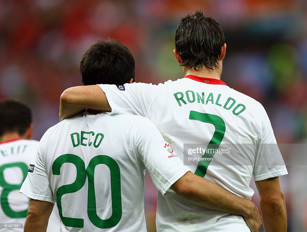Czech Republic v Portugal - Group A Euro 2008 : News Photo