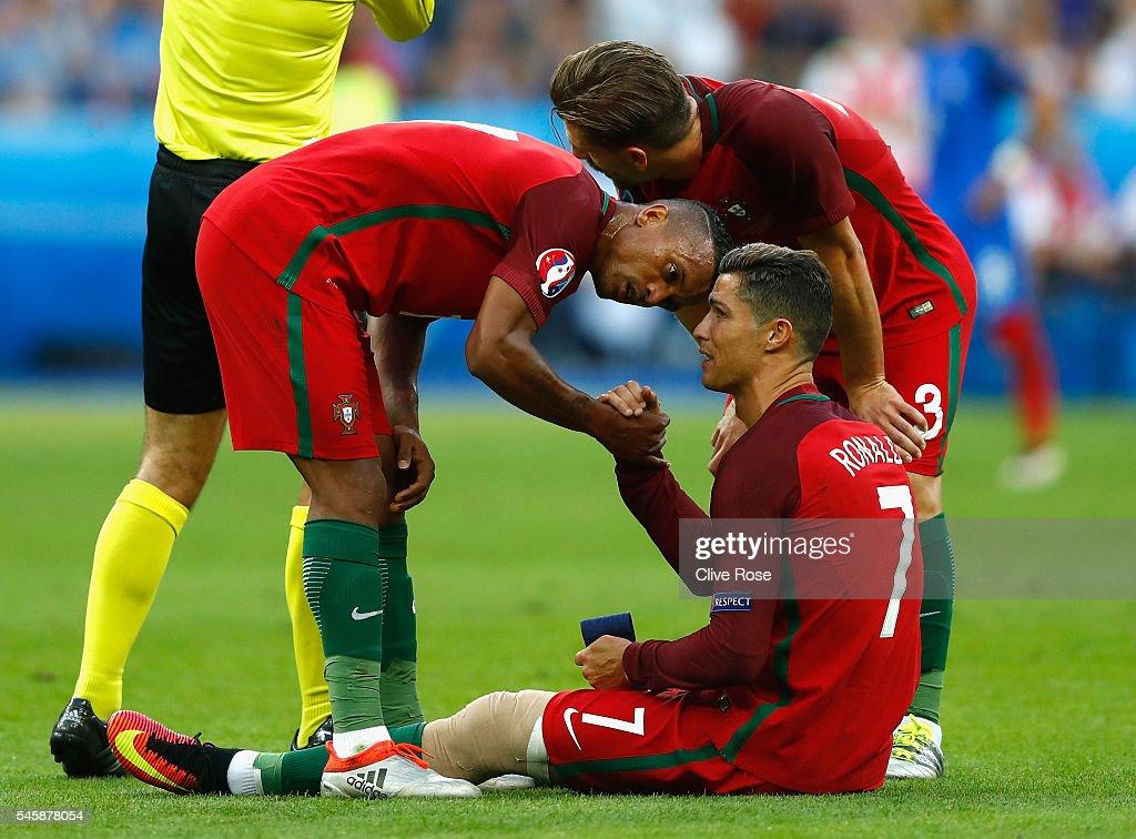 Portugal v France - Final: UEFA Euro 2016 : News Photo