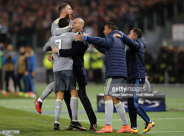 Cristiano Ronaldo of Real Madrid celebrates with Sergio Ramos head coach Zinedine Zidane Danilo and Lucas Vazquez after scoring the opening goal...