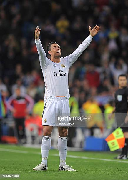 Cristiano Ronaldo of Real Madrid CF celebrates after scoring Real's 2nd goal from a free kick during the La Liga match between Real Madrid CF and CA...