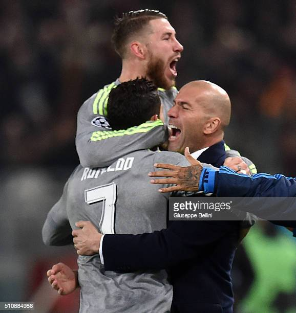Cristiano Ronaldo of Real Madrid CF celebrates after scoring the opening goal with Sergio Ramos and head coach Zinedine Zidane during the UEFA...