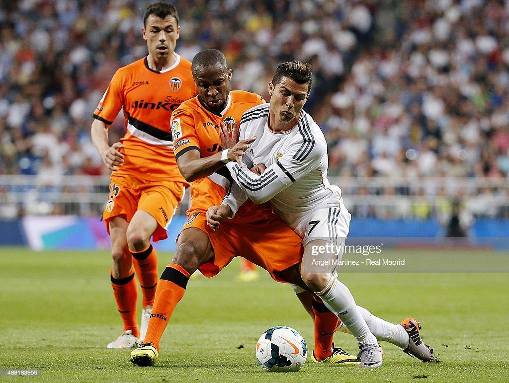 Real Madrid CF v Valencia CF - La Liga : Foto di attualità