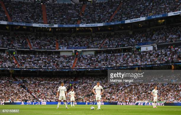 Cristiano Ronaldo of Real Madrid concentrates for a freekick during the UEFA Champions League Quarter Final second leg match between Real Madrid CF...
