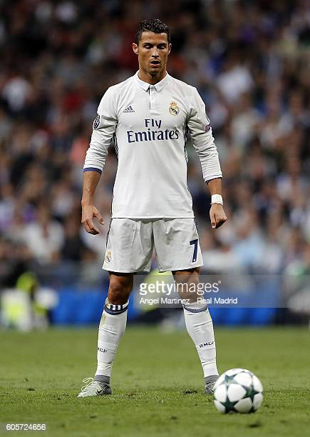 Cristiano Ronaldo of Real Madrid lines up a free kick during the UEFA Champions League Group F match between Real Madrid CF and Sporting Clube de...