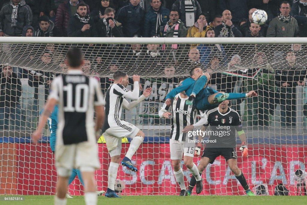 Juventus v Real Madrid - UEFA Champions League Quarter Final Leg One : Photo d'actualité