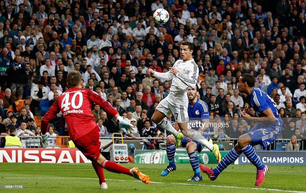Real Madrid v Schalke 04 - UEFA Champions League : News Photo
