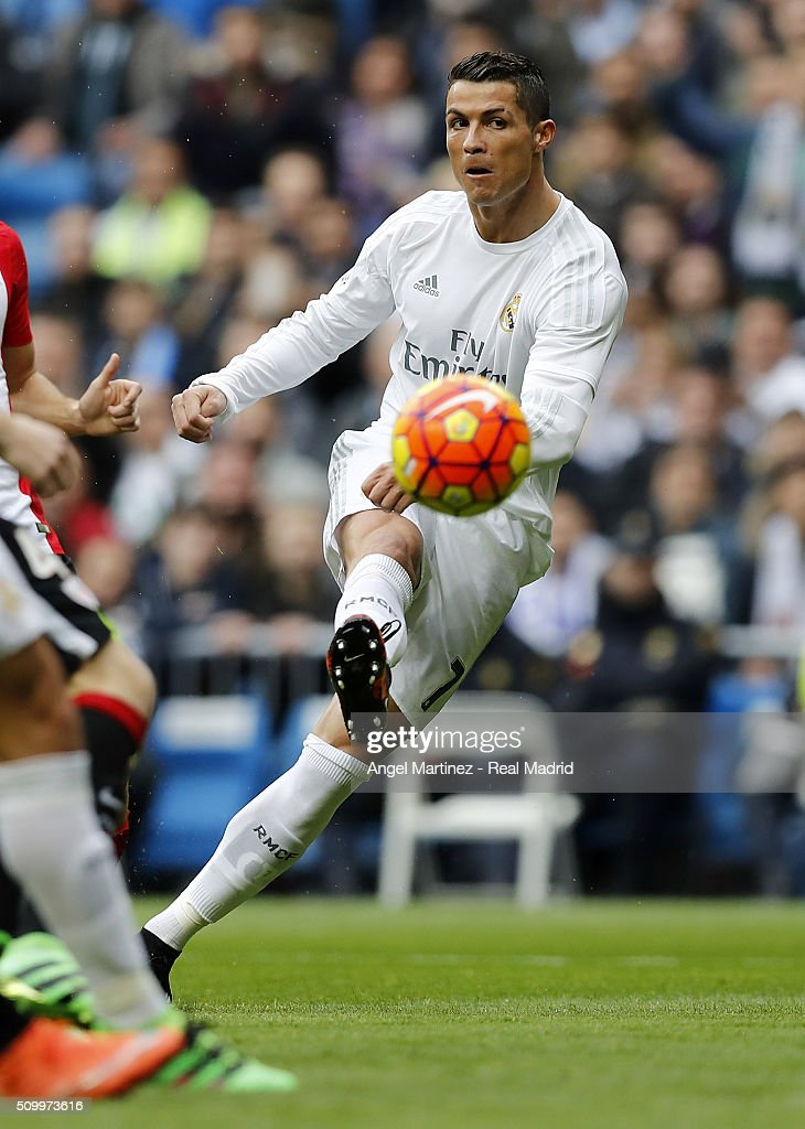 Cristiano Ronaldo of Real Madrid scores the opening goal during the La Liga match between Real Madrid CF and Athletic Club at Estadio Santiago Bernabeu on February 13, 2016 in Madrid, Spain.