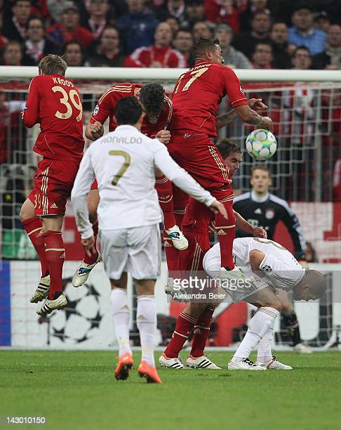 Cristiano Ronaldo of Real Madrid shoots a free kick during the UEFA Champoins League Semi Final first leg match between FC Bayern Muenchen and Real...