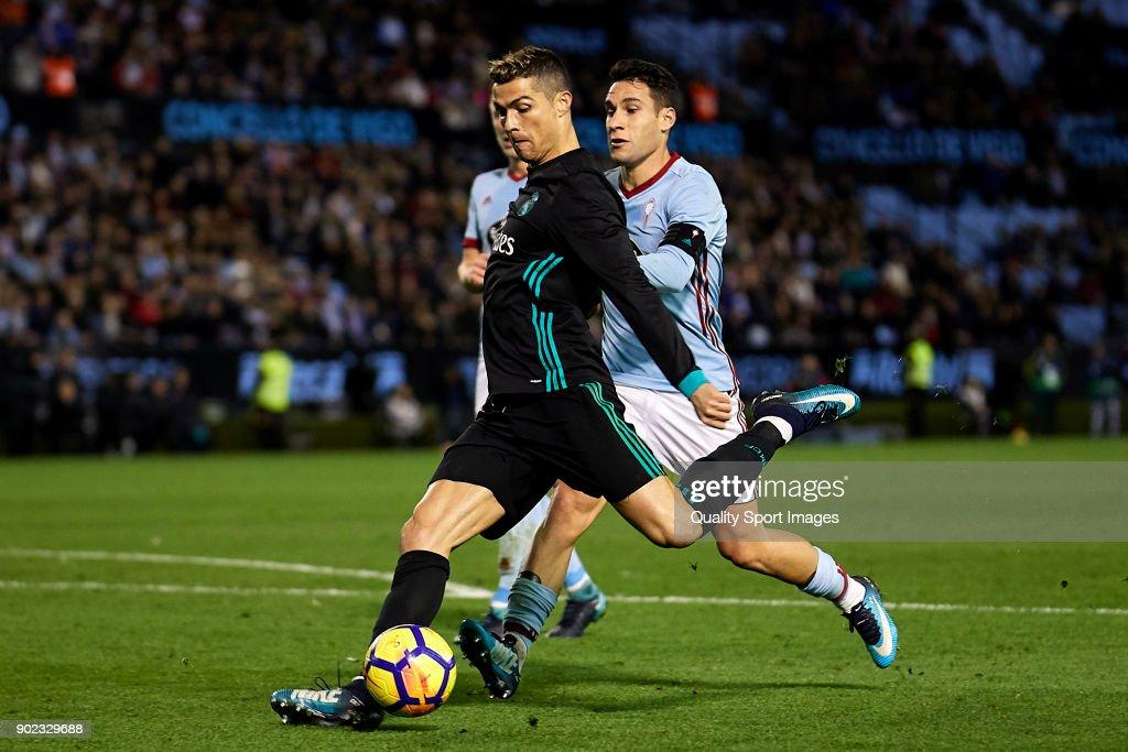 Cristiano Ronaldo of Real Madrid shots on goal during the La Liga match between Celta de Vigo and Real Madrid at Estadio de Balaidos on January 7, 2018 in Vigo, Spain.