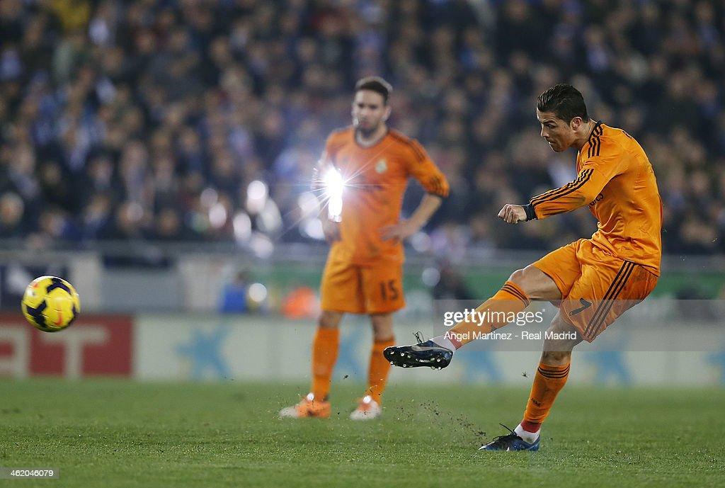 Cristiano Ronaldo of Real Madrid takes a free kick during the La Liga match between RCD Espanyol and Real Madrid at Cornella-El Prat Stadium on January 12, 2014 in Barcelona, Spain.