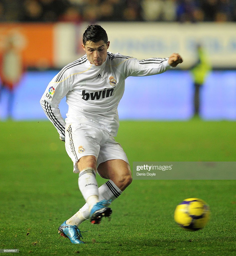 CA Osasuna v Real Madrid - La Liga : News Photo