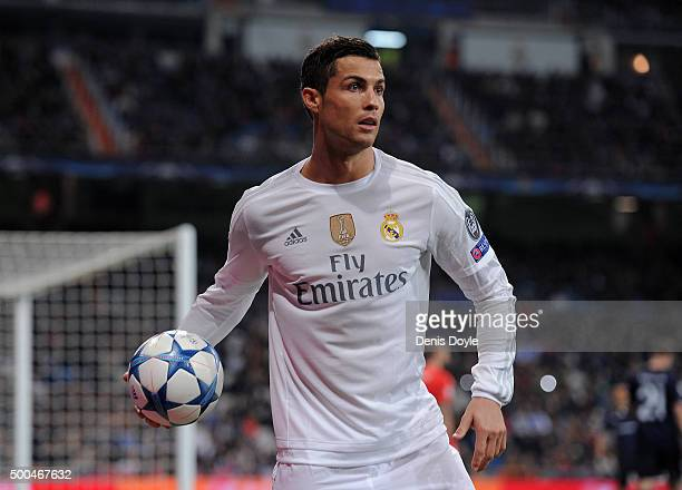 Cristiano Ronaldo of Real Madrid throws the ball for a corner kick during the UEFA Champions League Group A match between Real Madrid CF and Malmo FF...