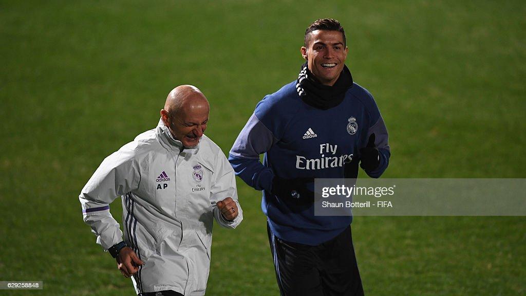 FIFA Club World Cup - Real Madrid Training : Nachrichtenfoto