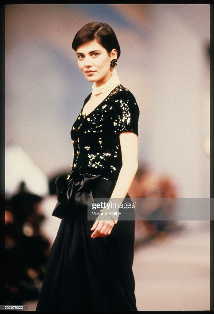 Chanel - Runway - Ready To Wear Spring/Summer 1989-1990 : News Photo