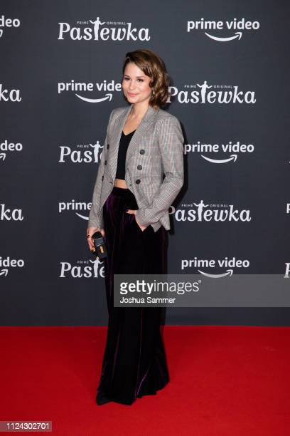 Cristina do Rego attends the premiere of the Amazon series 'PASTEWKA' at Cinedom on January 23, 2019 in Cologne, Germany.