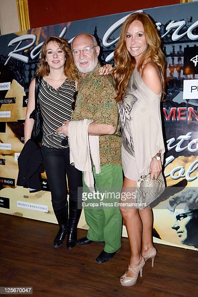 Cristina Goyanes Pepe Ruiz and Lara Dibildos attend 'Cantando por Molina' premiere at Calderon Theatre on September 19 2011 in Madrid Spain This...