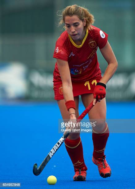 Cristina Guinea of Spain in action during the match between Spain and Poland during day six of the Hockey World League Round 2 at Polideportivo...