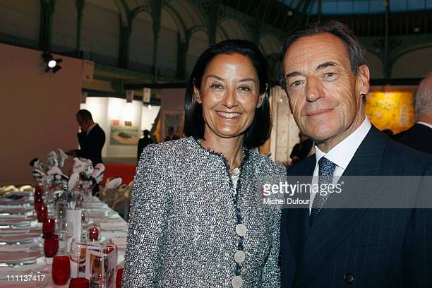 Cristina OwenJones and Lindsay OwenJones attend the 'Dessine L'Espoir' Dinner during Art Paris Festival at Grand Palais on March 29 2011 in Paris...