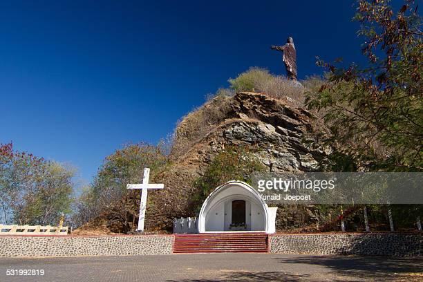 cristo rei of dili - statua di cristo re foto e immagini stock