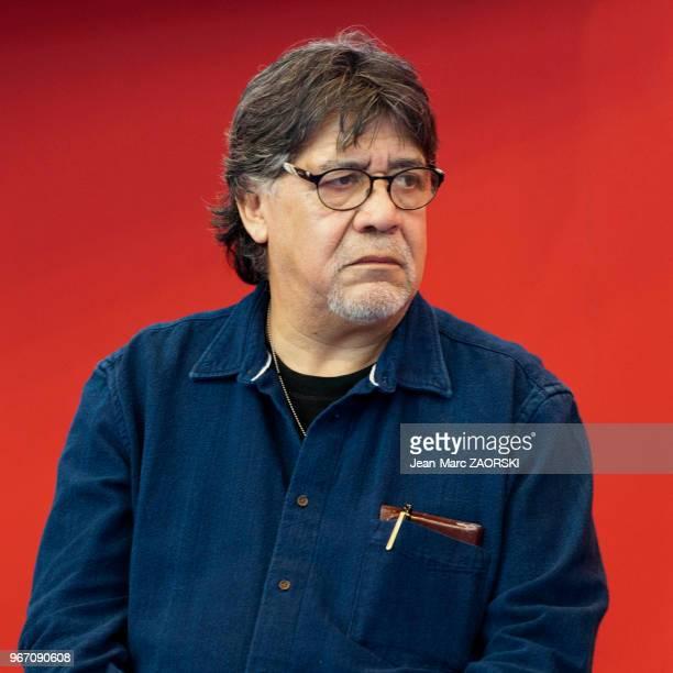 L'écrivain et réalisateur chilien Luis Sepulveda figure emblématique de la littérature latinoaméricaine lors de 'Livre Paris' le 36e Salon du Livre...