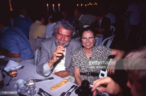 écrivain français Alain Robbe-Grillet et sa femme Catherine à Saumur en juin 1997, France.