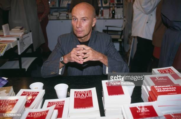 écrivain français Gabriel Matzneff lors du salon du livre au Grand Palais de Paris