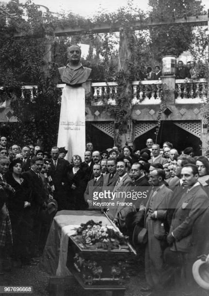 Cérémonie dans le jardin de la villa 'NinaRosa' devant le buste de l'écrivain Vicente Blasco Ibanez avant le transfert de ses cendres vers son pays...