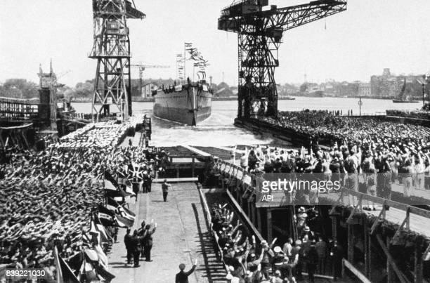 Cérémonie de lancement du cuirassé Admiral Graf Spee de la Kriegsmarine le 30 juin 1934 à Wilhelmshaven en Allemagne