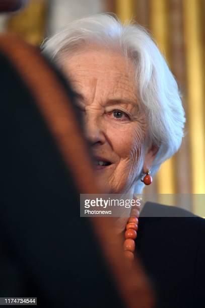 - Cérémonie de remise du Prix Terre d'Avenir par la reine Paola - Uitreikingsplechtigheid van de Prijs Focus Aarde door koningin Paola pict. By...