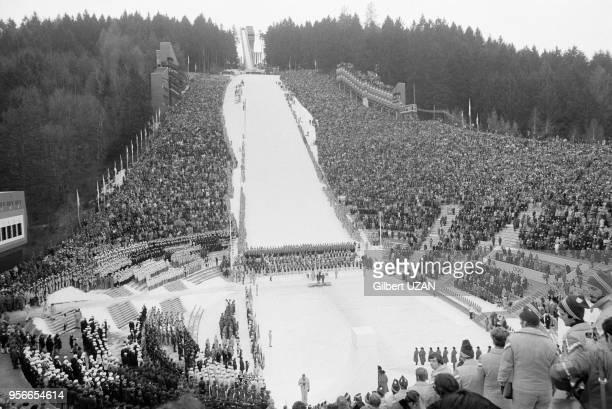 Cérémonie d'ouverture des Jeux Olympiques d'hiver le 4 février 1976 à Innsbruck, Autriche.