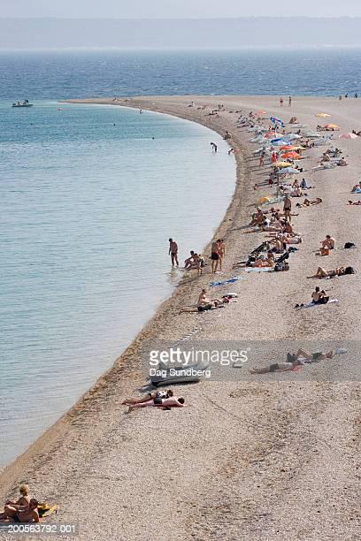 croatia, island of brac, zlatni rat beach, high angle view - zlatni rat fotografías e imágenes de stock