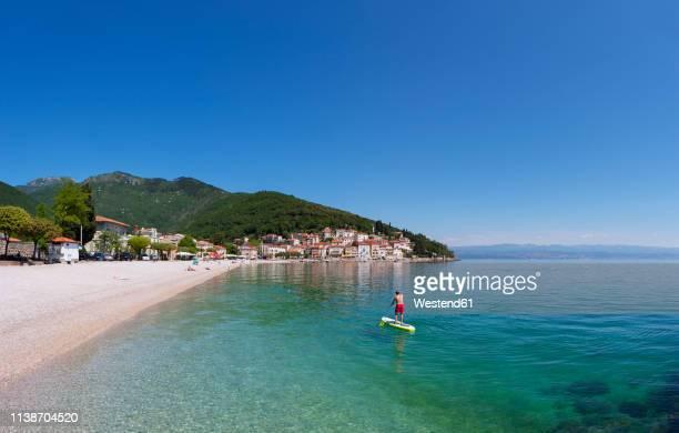 croatia, istria, adria, kvarner gulf, moscenicka draga, beach - croazia foto e immagini stock