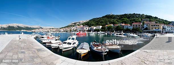 Croatia, Kvarner Gulf, Baska, harbor and waterfront promenade