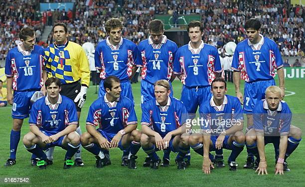Croatian players pose before the1998 Soccer World Cup third place play off between the Netherlands and Croatia 11 July at the Parc des Princes...