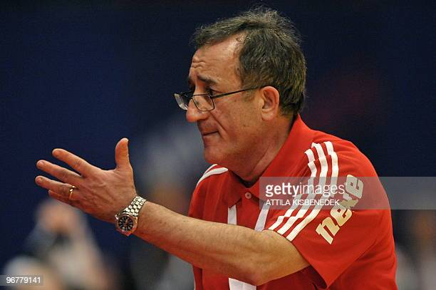 Croatia's coach Lino Cervar gestures on January 31 during the EHF EURO 2010 Handball Championship final Croatia vs France in Wiener Stadthalle in...