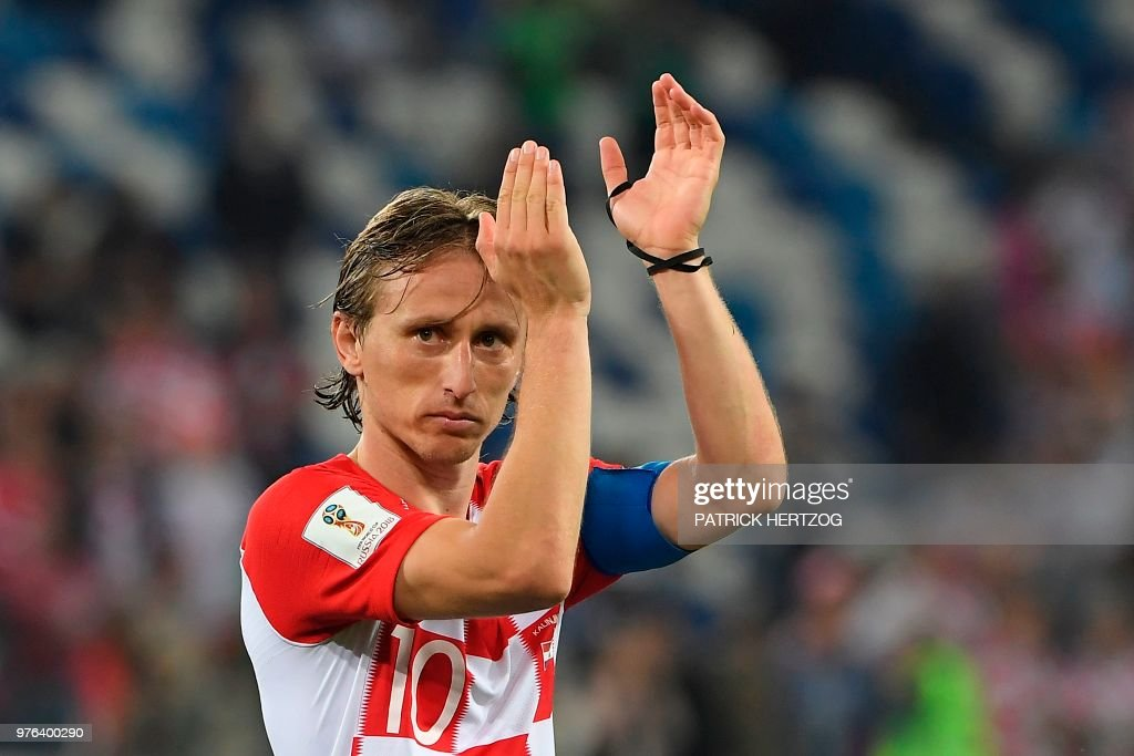 TOPSHOT - Croatia's midfielder Luka Modric celebrates after during the Russia 2018 World Cup Group D football match between Croatia and Nigeria at the Kaliningrad Stadium in Kaliningrad on June 16, 2018. (Photo by Patrick HERTZOG / AFP) / RESTRICTED