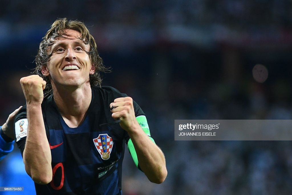 TOPSHOT - Croatia's midfielder Luka Modric celebrates after scoring their second goal during the Russia 2018 World Cup Group D football match between Argentina and Croatia at the Nizhny Novgorod Stadium in Nizhny Novgorod on June 21, 2018. (Photo by Johannes EISELE / AFP) / RESTRICTED