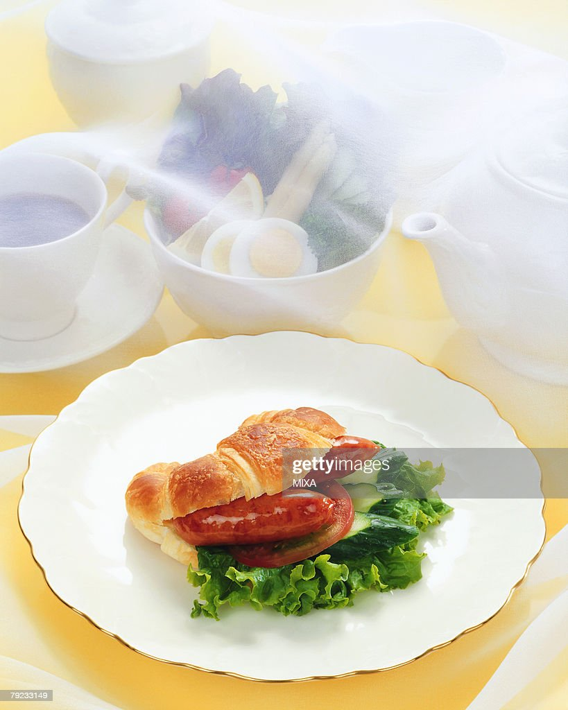 Croissant sandwich : Stock Photo