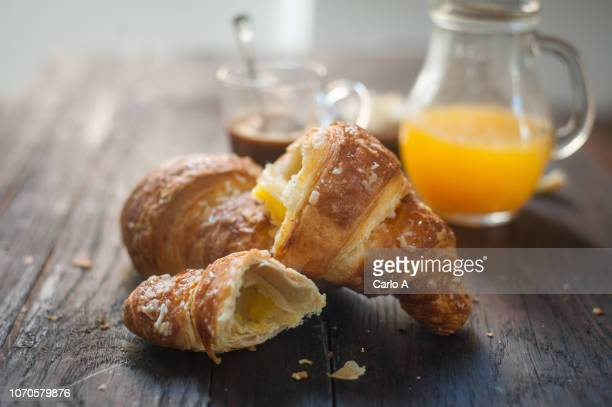 croissants and orange juice - french food stock pictures, royalty-free photos & images