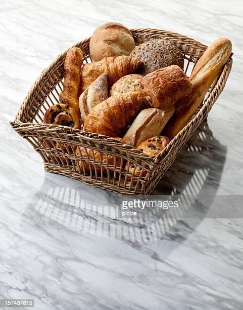 baguette, Croissants, pâtisseries, des pains dans le panier XXL