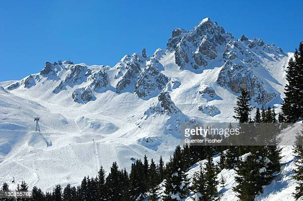 croix des verdons, ski resort courchevel, trois vallã©es, haute-savoie france - trois vallees stock pictures, royalty-free photos & images
