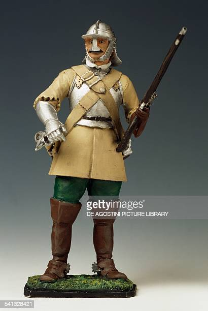 Cromwell dragoon with armour and blunderbuss toy soldier England mid17th century