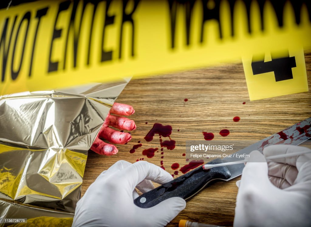 Cropped Hands Of Forensic Expert Collecting Evidence At Crime Scene High Res Stock Photo Getty Images