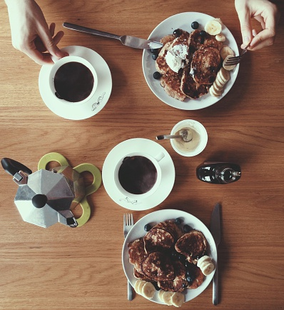 Cropped Image Of Woman Hands With Pie And Black Coffee On Table - gettyimageskorea