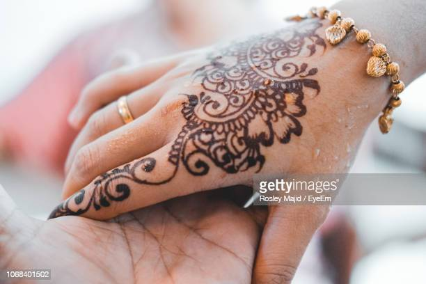 6 913 Henna Tattoo Photos And Premium High Res Pictures Getty Images